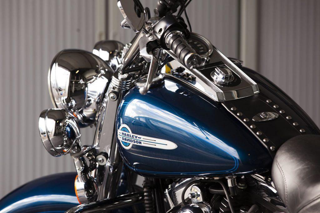 Harley Davidson glascoating Gold detailing